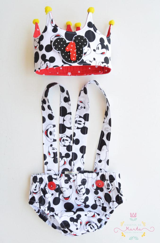 Mickey Mouse en rojo y negro!!